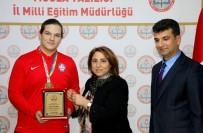 YUSUF DEMIR - Dünya Şampiyonu Öğrenci Muğla'da Ödüllendirildi