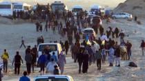 YAŞAM MÜCADELESİ - İsrail Gazze Sahilinde 11 Filistinliyi Yaraladı