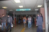 DEMİRYOLLARI - İZBAN'da Grev Başladı, Yolcular Geri Döndü