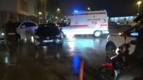 ANTAKYA - Kırmızı Işıkta Geçti, Motosikletli Kuryeye Çarptı