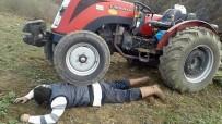 İBRAHİM KURT - Mazot Fiyatlarına Tepki İçin Traktörü Üstüne Çıkardı