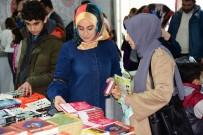 SOSYAL BELEDİYECİLİK - Osmaniye Belediyesi 3. Kitap Fuarı'nı 3 Günde 30 Bin Kitapsever Ziyaret Etti