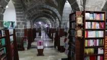 Tarihin Mistik Havasında Kitap Okuma Keyfi
