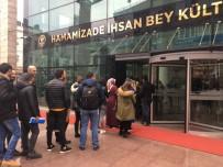 DEVLET MEMURLARı - Trabzon Büyükşehir Belediyesi'ne Personel Alımları İçin Yapılan Başvurularda Uzun Kuyruklar Oluştu