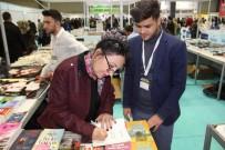 YALIN - Yazar Ümran Öztürk'e Memleketi Van'da Yoğun İlgi
