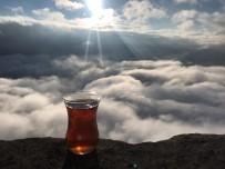 DAĞLıCA - Yüksekovalı Öğretmenler Bulutlar Üzerinde Çay Yudumladılar