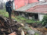 ZABITA EKİBİ - Beşiktaş'taki Toprak Kayması