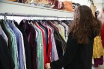 NİLÜFER - 'Giymiyorsanız Giydirin Atölyesi'nde' Gelinlikten Çantaya Her Şey Var
