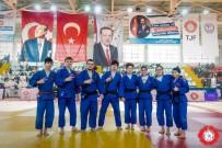 KAĞıTSPOR - Judoda Zirvenin Adı Kağıtspor