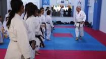 KIZ KARDEŞ - Karatenin Siyah Kuşaklı Ailesi