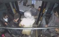 HALK OTOBÜSÜ - Otobüs Şoförü, Baygınlık Geçiren Yolcuyu Hastaneye Yetiştirdi