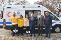 SAĞLIK PERSONELİ - Salihli Belediyesi'nden Hasta Nakil Ambulansı Hizmeti
