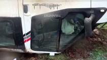 ÖĞRETMEN - Şanlıurfa'da Öğretmenleri Taşıyan Minibüs Devrildi Açıklaması 13 Yaralı