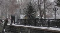 Ardahan'da Beklenen Kar Yağışı Başladı