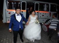 GELİN ARABASI - Ekmek Teknesi Minibüs, Gelin Arabası Oldu