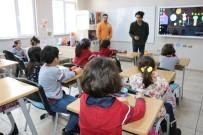 CUMHURIYET ÜNIVERSITESI - Erasmus Öğrencisi CÜ Vakfı Okulları Öğrencileriyle Buluştu