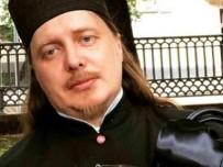 FENOMEN - Lüks Düşkünü Rus Papazdan Özür