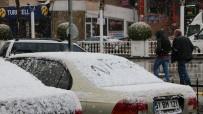 YAĞIŞLI HAVA - Niğde'de Kar Yağışı Etkili Oldu