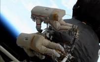 SOYUZ - Rus Astranotlar Arızalanan Uzay Aracından Numune Aldı