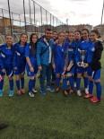 BEDEN EĞİTİMİ ÖĞRETMENİ - Sare Koleji'nin Kupa Sevinci