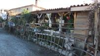 Balıkesir'de 71 Yıllık Taş Bina Müze Gibi Çay Evi Oldu