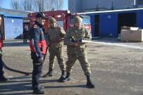 İTFAİYECİLER - Bozüyük Belediyesi İtfaiyesi'nden Askerlere Yangın Eğitimi