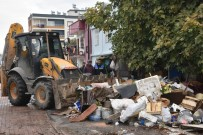 ÇÖP EV - Çöp evden 22 kamyon dolusu çöp çıktı