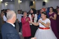 GELİN ARABASI - Engelli Genç Kızın Hayalini Belediye Gerçekleştirdi