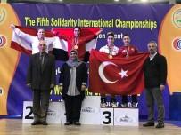BERFIN - Kağıtsporlu Berfin Halterde 2 Madalya Kazandı