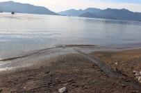 İÇMELER - Marmaris'te Denizin Çekilmesi Deprem Endişesine Neden Oldu