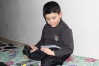 HAVA SALDIRISI - Suriyeli Abdulbasit'e Oyun Konsolu Hediye Edildi