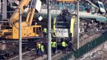 ANKARA ÜNIVERSITESI - Tren Kazasında Enkaz Kaldırma Çalışmaları Sabaha Kadar Sürecek