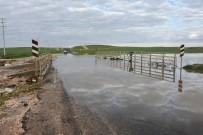 YAĞIŞLI HAVA - Yağışlı Hava Yaşamı Olumsuz Etkiledi