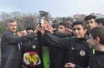 İL SAĞLıK MÜDÜRLÜĞÜ - Protokol, Gençleri Spora Yönlendirmek İçin Dostluk Maçı Yaptı