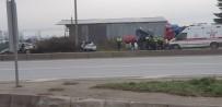 SAĞLIK EKİPLERİ - Sakarya'da Otomobiller Çarpıştı Açıklaması 4 Yaralı