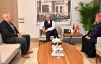 MAHMUT DEMIRTAŞ - Şehit Aileleri Vali Mahmut Demirtaş'ı Ziyaret Etti
