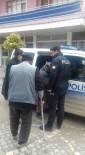 YAŞLI ÇİFT - Selendi Polisinden Örnek Davranış