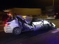 İLK MÜDAHALE - TEM Otoyolunda Otomobil Tıra Çarptı Açıklaması 1 Yaralı