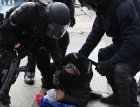 STRAZBURG - Paris'te sarı yeleklilerin gösterisi öncesinde 25 gözaltı