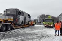 ZÜRIH - İsviçre'de Tur Otobüsü Kaza Yaptı Açıklaması 1 Ölü, 44 Yaralı