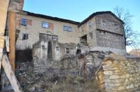 (Özel) Yüzlerce Yıllık Kerpiç Evleriyle Görenleri Etkileyen Köy