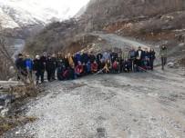 OKUL MÜDÜRÜ - Yüksekova'nın Karlı Dağlarında Doğa Yürüyüşü