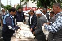 KEREM SÜLEYMAN YÜKSEL - Bismil'de Vatandaşlara Bez Çanta Dağıtıldı