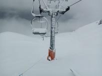 KAR KALINLIĞI - Davraz Kayak Merkezinde Kar Kalınlığı 25 Santimetreye Ulaştı