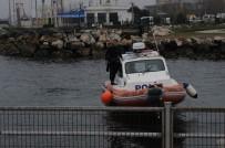 Denize Atlayan Genci Vatandaşlar Kurtardı