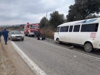 112 ACİL SERVİS - Denizli'de Dolmuş İle Otomobil Çarpıştı Açıklaması 2 Yaralı