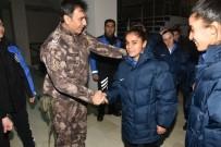 TOPLUM DESTEKLI POLISLIK - Hakkari Polisinden Kadın Sporculara Giyim Desteği