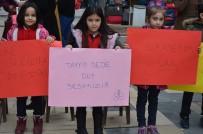EĞİTİM HAYATI - Öğrenciler Ve Velilerden 'Öğretmenimizi Geri İstiyoruz' Eylemi