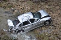 ATATÜRK - Otomobil, 30 Metreden Dereye Uçtu Açıklaması 1 Yaralı