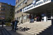 Polis Cami Hırsızlarının Kullandığı Aracı Lastiklerine Ateş Ederek Durdurdu